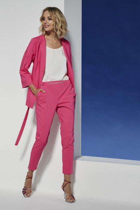 amarantowe spodnie z tkaniny