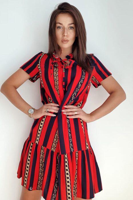krótka sukienka w pionowe paski