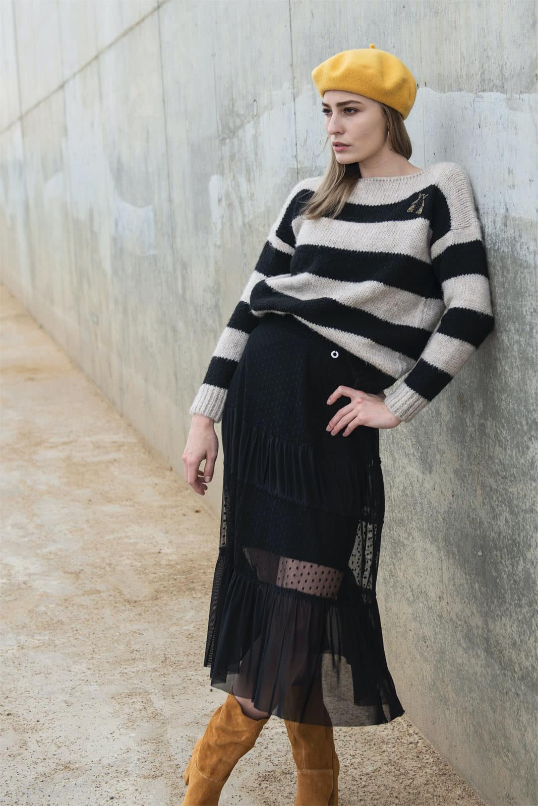 sweterek damski z wełną w beżowo czarne pasy
